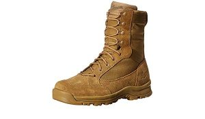 Rugged men's boots for winter