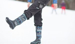Snow men's boots for winter