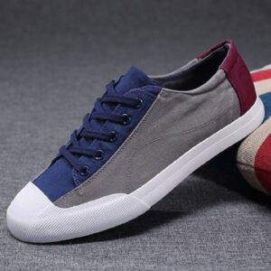Low lace up canvas sneakers
